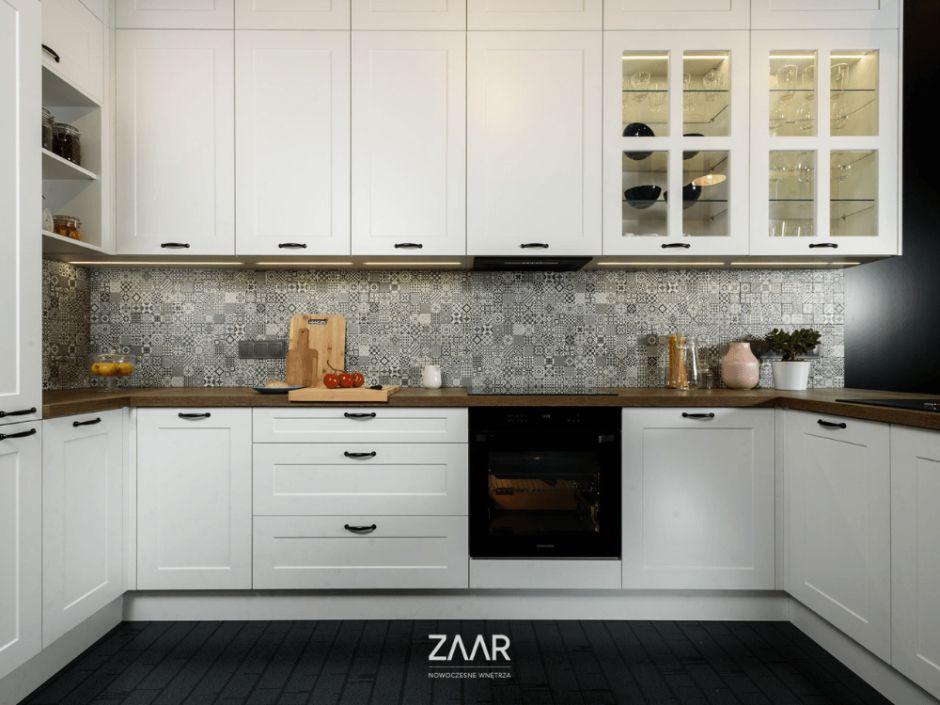 Białe fronty kuchenne
