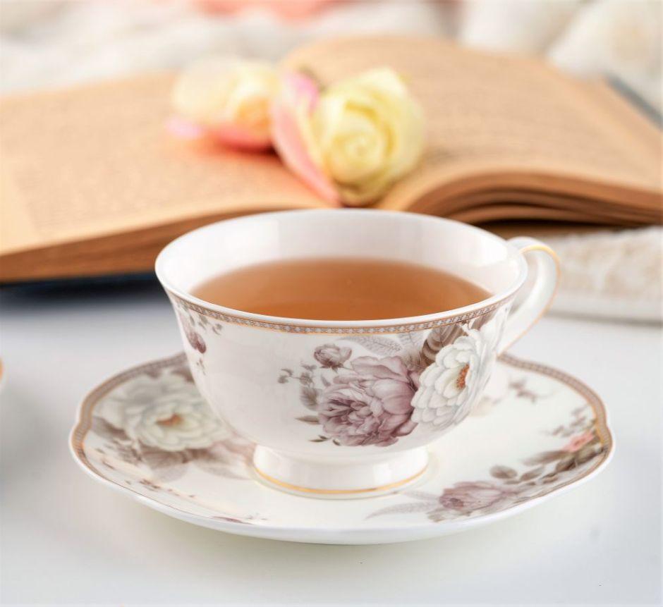 Piękna filiżanka do herbaty porcelanowa ze spodkiem MARGARET