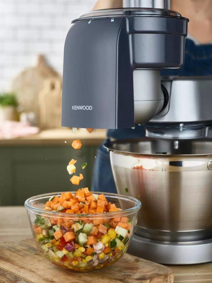 przystawka do krojenia warzyw w kostkę za pomocą robota kuchennego Kenwood
