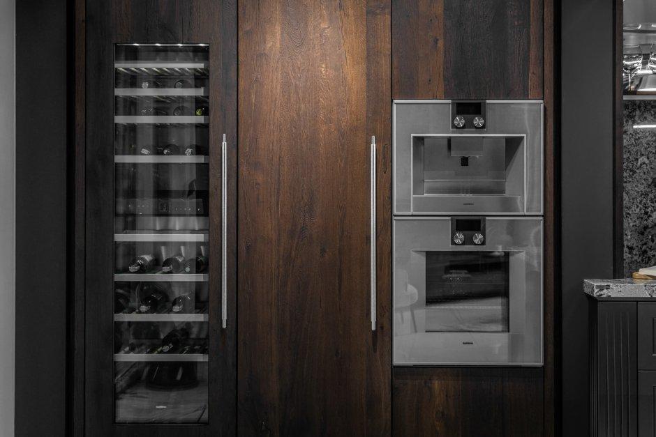 Przemyślana zabudowa kuchenna - GLACIAL PLATINUM od ernestrust