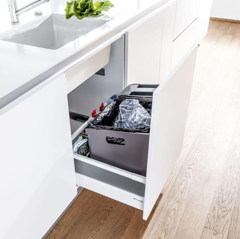 Sortowanie w szufladzie i w tradycyjnej szafce - co wybrać