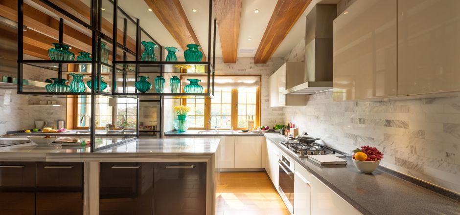 Modułowe rozwiązanie z profili aluminiowych do projektowania szafek, regałów i stolików
